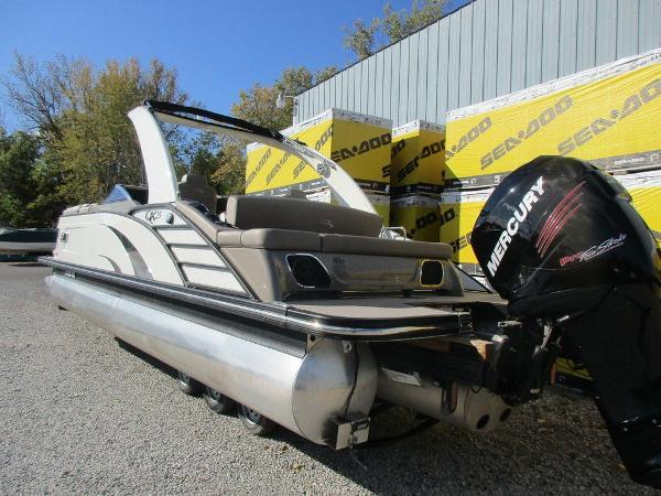 Bennington 25 QX Swingback Windscreen Sport Arch