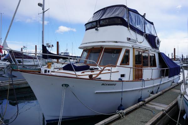 CHB Trawler Tri-Cabin