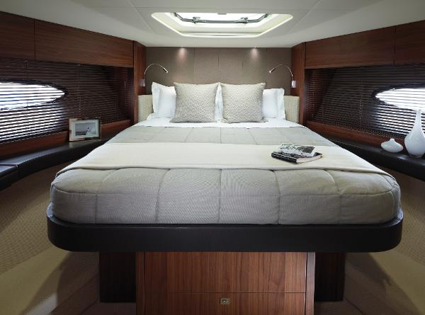 Princess Flybridge 56 Motor Yacht Forward Guest Cabin