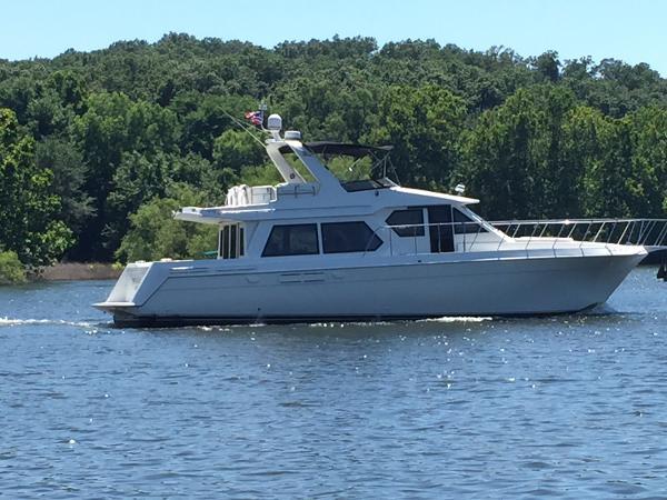 Navigator 5300 Pilothouse