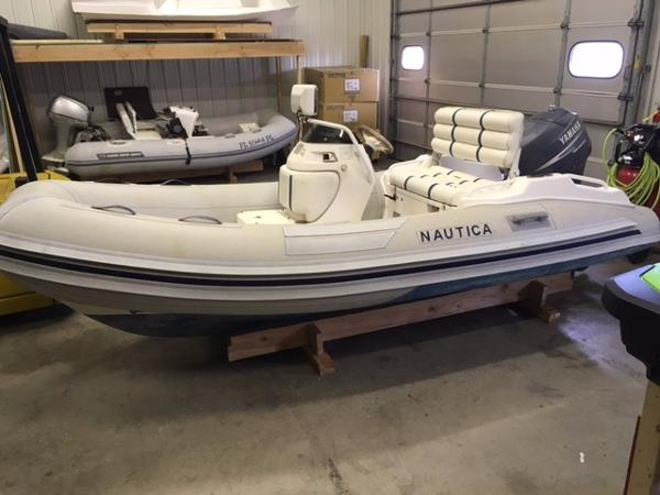 Nautica International 12 Wide Body