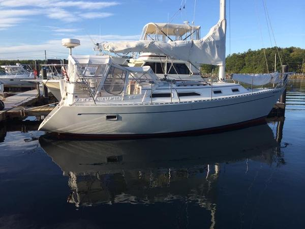Freedom 32 At The Dock