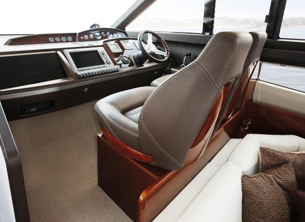 Princess Flybridge 42 Motor Yacht Helm