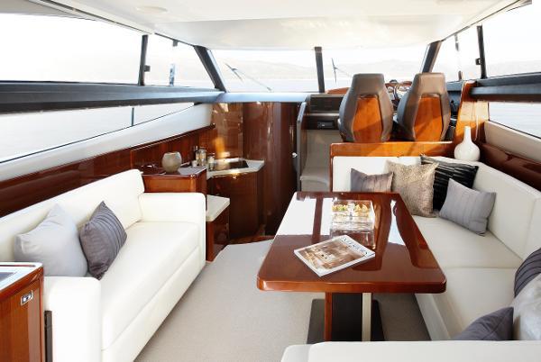 Princess Flybridge 42 Motor Yacht Saloon