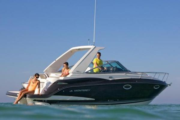 Monterey 275 Sport Yacht Manufacturer Provided Image