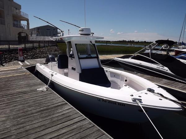 Everglades Boats 255CC