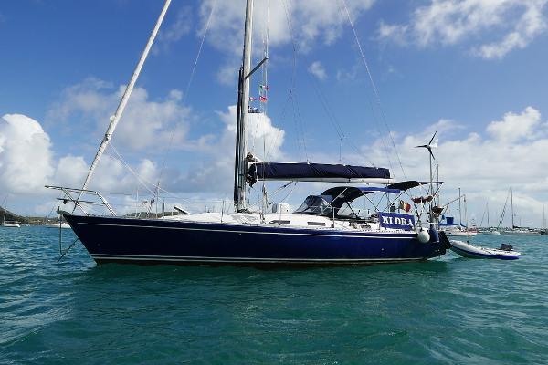 Comar Genesi 43 Au mouillage / At the anchor