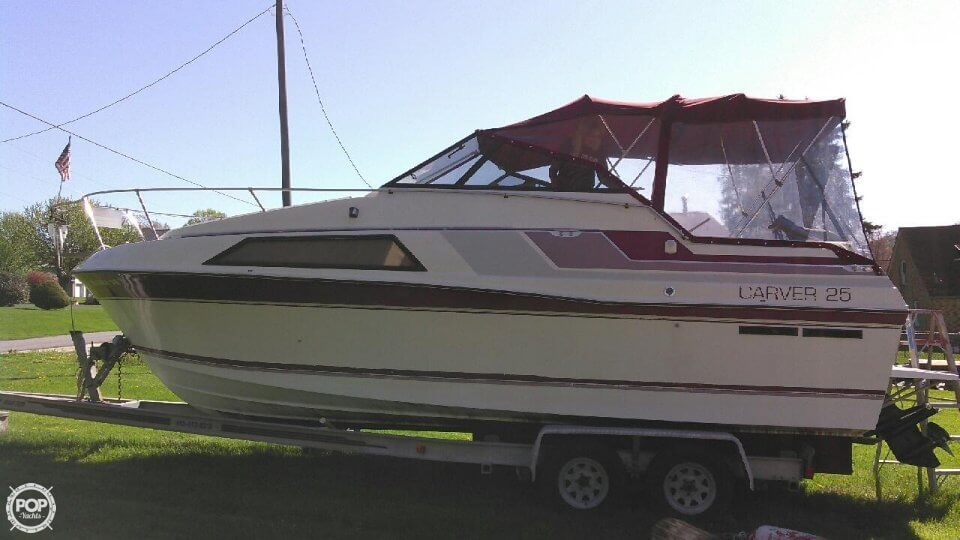 Carver Montego 2557 1988 Carver Montego 2557 for sale in Leechburg, PA