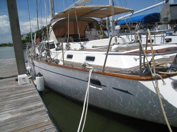 Oyster 56 Port Side