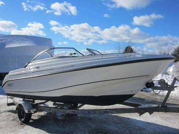 Boston Whaler 18 Ventura Bowrider