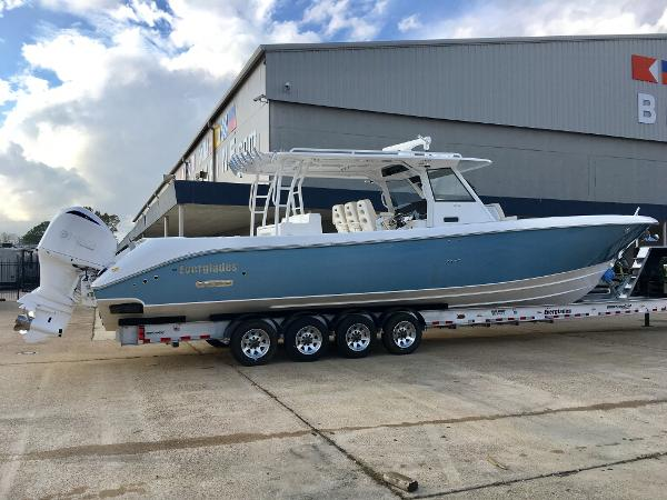 Everglades Boats 435CC
