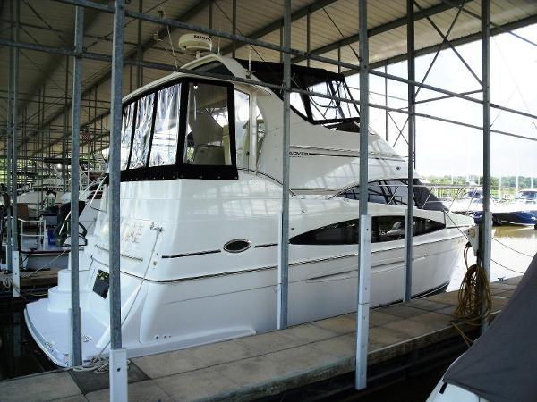Carver 346 Motor Yacht