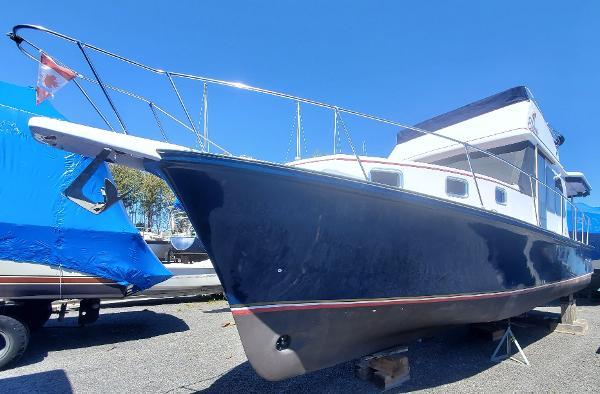 Trawler 42 CUSTOM BUILT