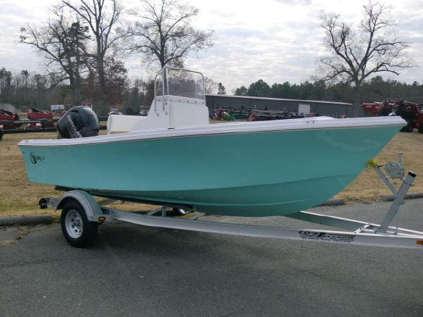 C-HAWK BOATS 19 CC