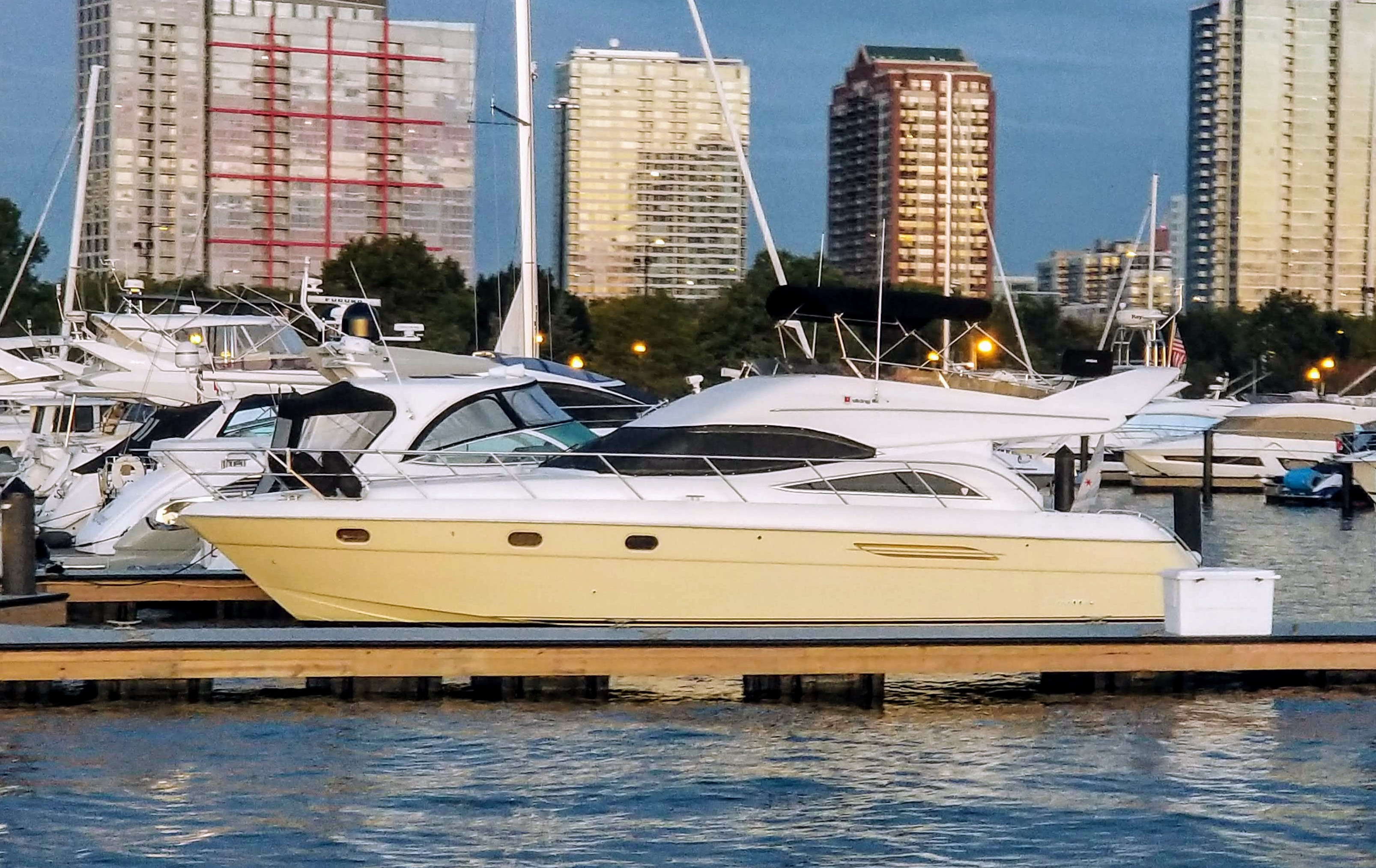 Viking Sport Cruisers 52 FLY Profile NITE