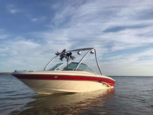 Sea Ray 182 SRX Bow Rider