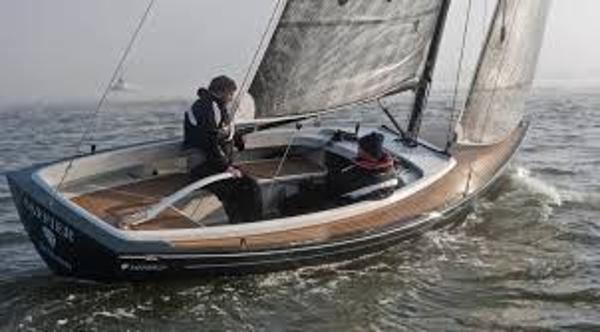 Saffier 23 Se Under sail, stock image not actual yacht