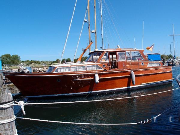 Beelitz Motoryacht One Off P6051485_hmf.jpg