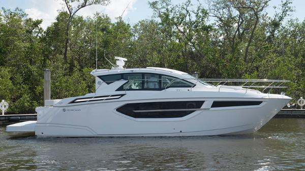 Cruisers Yachts 42 Cantius Profile - Manufacture Photo