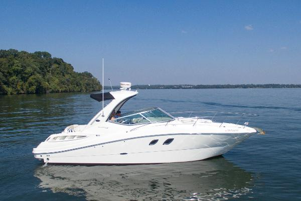 Sea Ray 310/330 Sundancer STBD Profile
