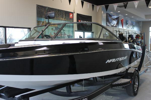Nautique 200