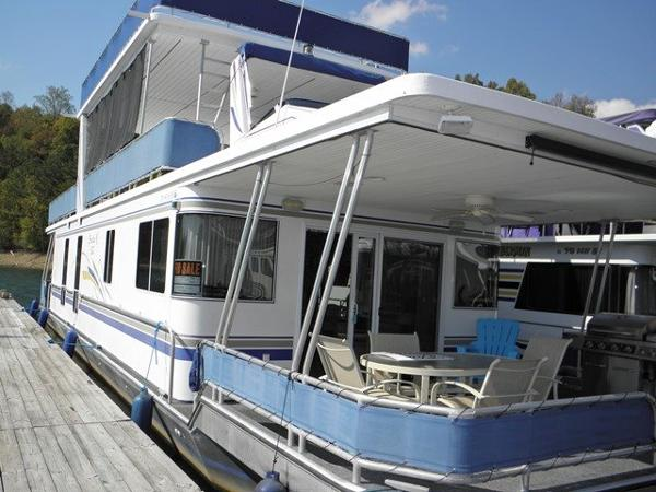 Thoroughbred 16x66 Houseboat