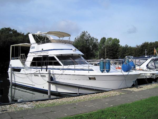 Motor Yacht Camarque 42