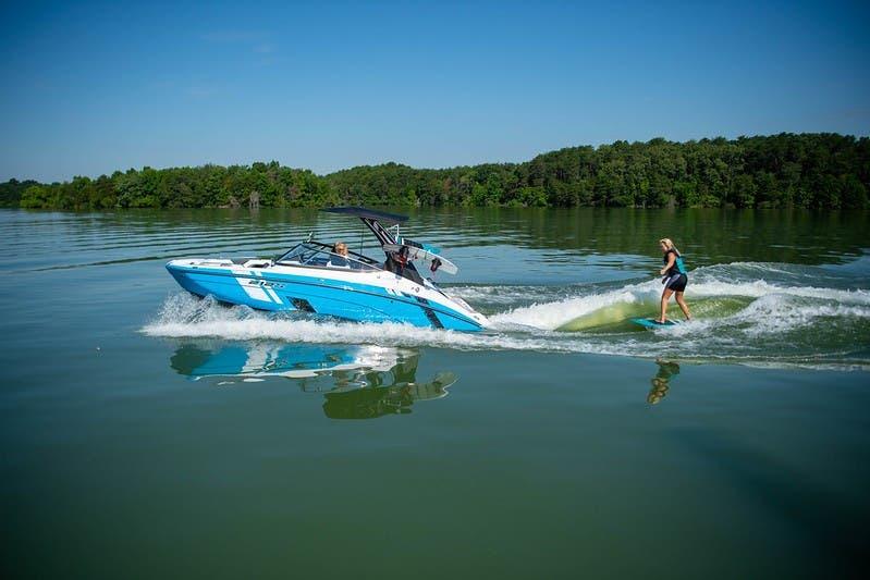 Yamaha Boats 212 XE