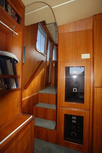 Steps To Pilothouse