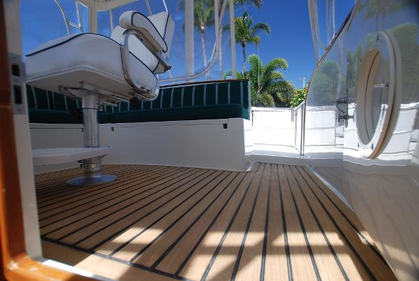 Stunning Teak Deck On Flybridge