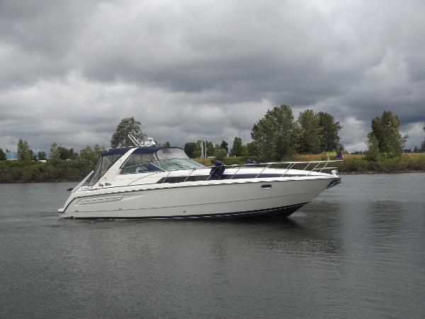 Bayliner 4085 Avanti Sunbridge
