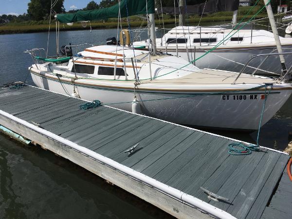 Catalina C22 pop top swing keel DOCKSIDE