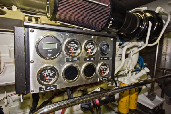 Engine gauges stb