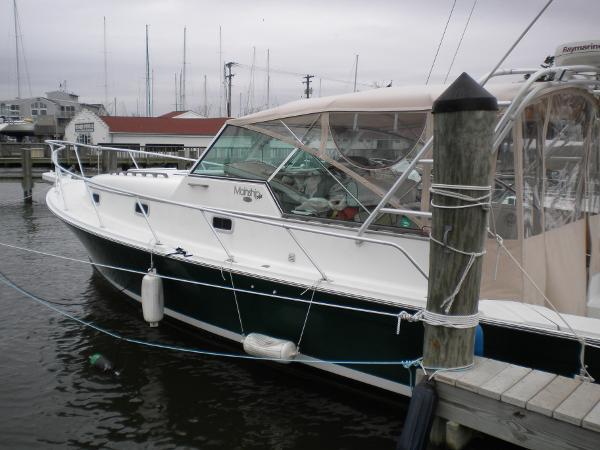 Mainship Pilot 34 port profile