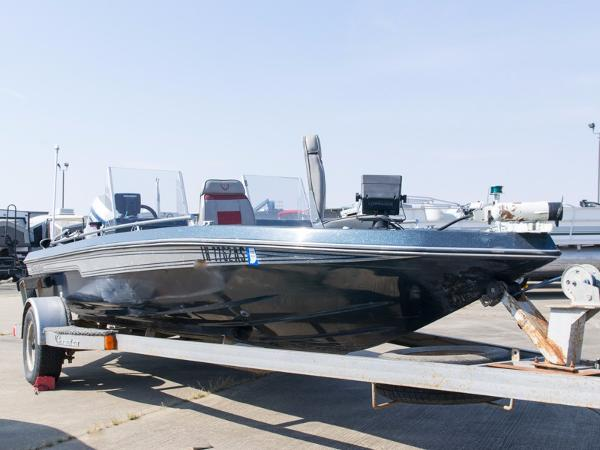 Champion Boats 18 Foot Bass Boat