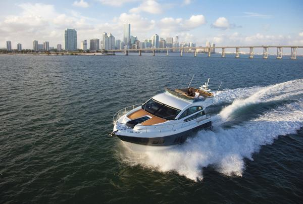 Fairline Squadron 50 Running Shot