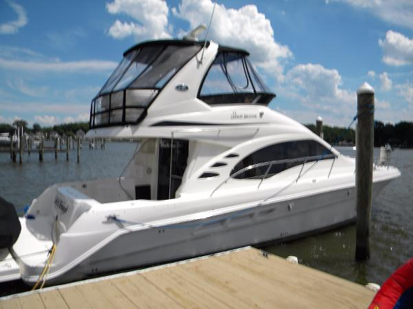 Sea Ray 440 Sedan Bridge