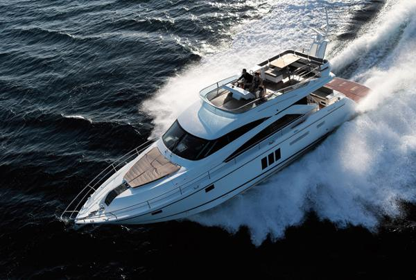 Fairline Squadron 60 Running Shot