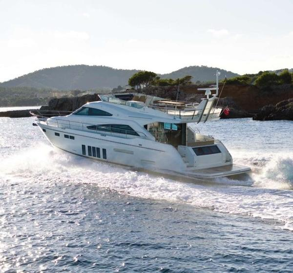 Fairline Squadron 65 Manufacturer Provided Image: Fairline Squadron 65 Stern