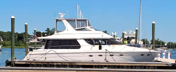Carver 530 Voyager Pilothouse Brooklyn Girl