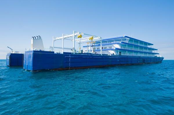 Floating Boutique Hotel Barge