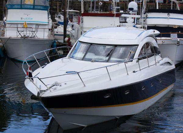 Sunseeker Camargue 50 Sport Yacht Exterior Forward Quarter