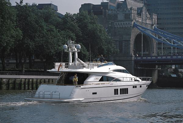 Fairline Squadron 78 Custom Stern