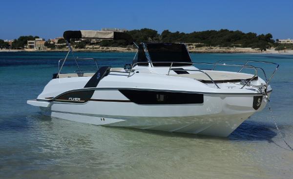 Beneteau Flyer 7.7 SUNdeck Beneteau Flyer 7.7 Sundeck - Seven Yachts