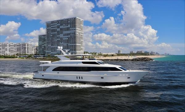 Hargrave 100 RAISED PILOTHOUSE
