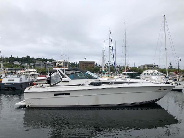 Sea Ray 390 Express Cruiser Profile