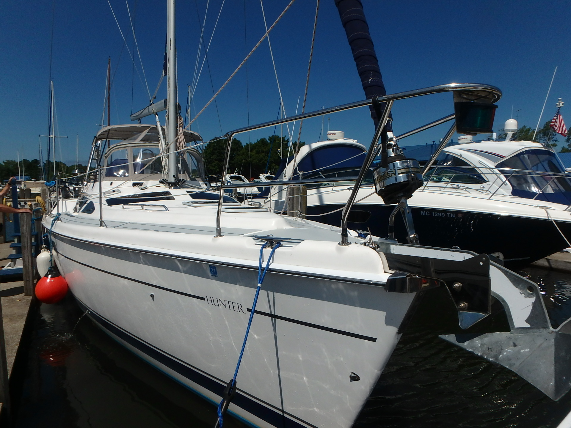 Hunter Passage 420 CC From bow