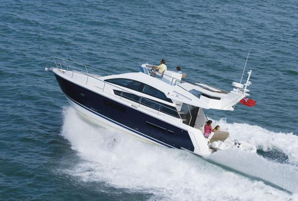 Fairline Squadron 42 Running Shot