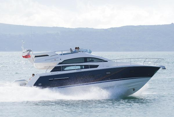 Fairline Squadron 42 Manufacturer Provided Image: Fairline Squadron 42 Side View