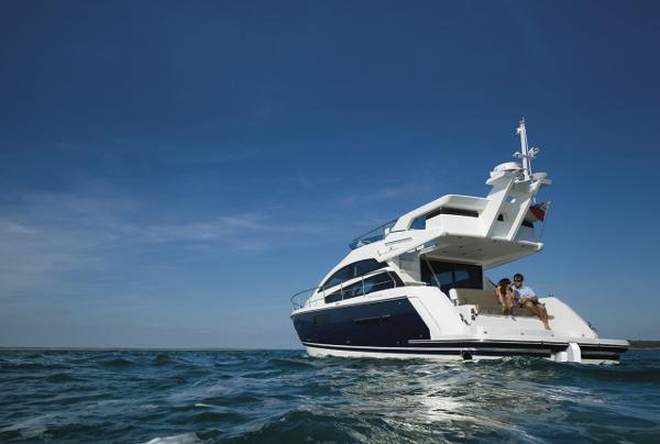 Fairline Squadron 42 Anchored